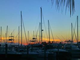 veleiros ancorados