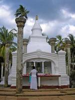 templo em mihintale - sri lanka foto