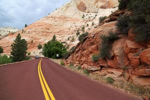 estrada através do parque nacional de zion