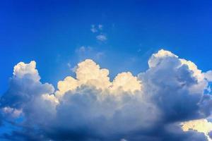 nuvens antes da tempestade foto