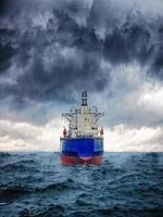 navio na tempestade