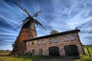 antigo moinho de vento tradicional na Alemanha
