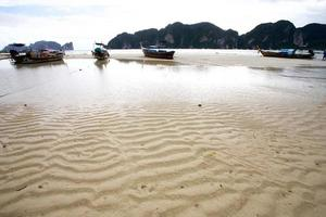 praia na ilha phi phi, tailândia