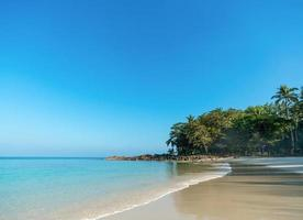 praia paradisíaca de ilha tropical perfeita, tailândia foto