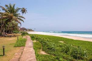praia tropical no sri lanka foto
