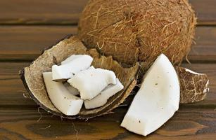 coco e pedaços de coco foto