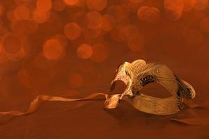 máscara dourada vintage para carnaval