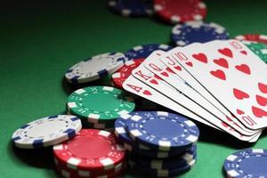mão de pôquer royal flush foto