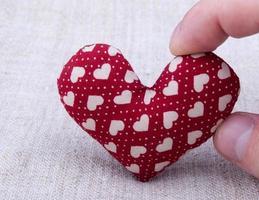 coração em madeira foto