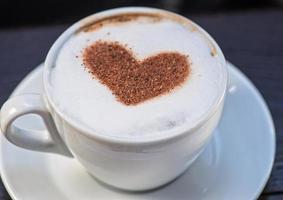 formato de coração de café foto