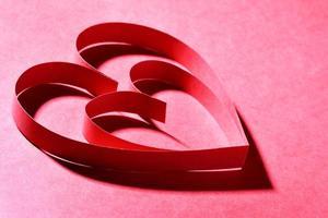 corações de papel vermelho foto
