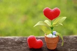 coração de crochê artesanal foto