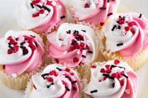 cupcakes do dia dos namorados de perto foto