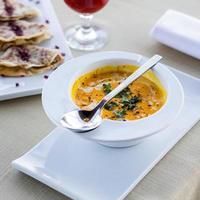 saborosa sopa de tomate foto