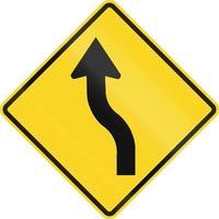 curva reversa primeiro para a esquerda no Canadá foto