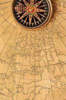 bússola e mapa antigos