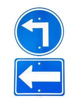 vire o sinal de trânsito à direita foto
