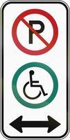 estacionamento para deficientes físicos em ambas as direções no Canadá foto