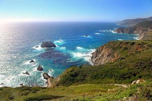 vista panorâmica da costa do pacífico foto