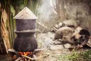 panela de água fervente para cozinhar arroz pegajoso