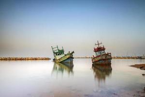 velhos barcos de pesca foto