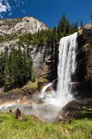 queda vernal no parque nacional de yosemite, califórnia, eua.