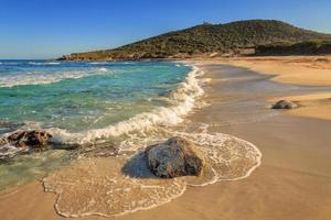 Praia de Bodri perto de Ile Rousse na Córsega