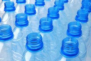 garrafas plásticas foto
