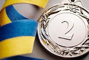 medalha de prata em primeiro plano