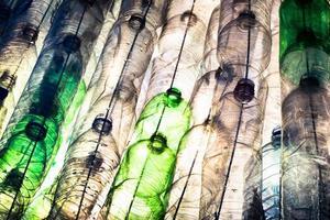 garrafas de plástico vazias foto
