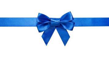 fita azul com arco e cauda