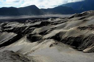 vulcão paisagem montanhosa do Monte Bromo na Indonésia
