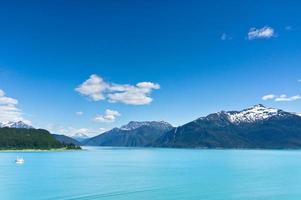 bela vista da cidade de haines perto da baía glaciar, no Alasca, eua