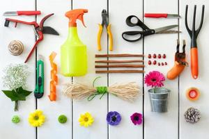 ferramentas de jardinagem e floricultura.