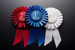 Rosetas de fita plissada de 1º, 2º e 3º lugar