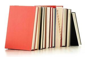 livros isolados no branco foto