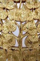 as esculturas de madeira dourada