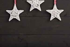 decoração de natal em fundo de madeira foto