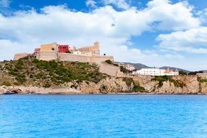 castelo e igreja da cidade de eivissa ibiza