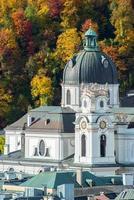 vista geral do centro histórico de salzburgo, áustria
