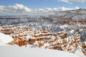 Canyon de Bryce sob manto de neve