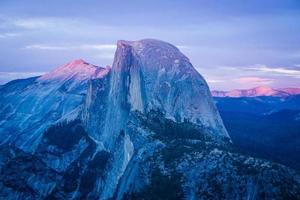 meia cúpula de Yosemite ao pôr do sol