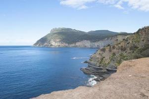 maria island tasmania steep cliff coast mountain