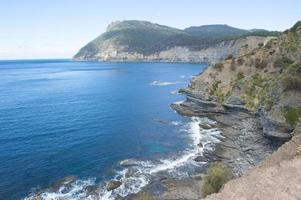 montanha íngreme da costa do penhasco maria island austrália