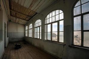 Abandono de edifício desolado na mina de diamante