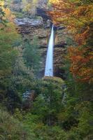 cachoeira no vale triglav
