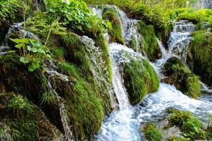 parque nacional dos lagos plitvice na croácia