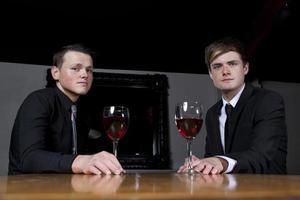 cavalheiros e vinho