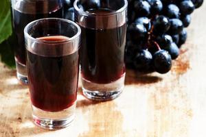 taças de vinho tinto caseiras