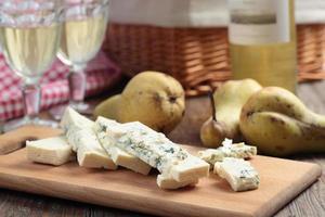 queijo azul, peras e vinho